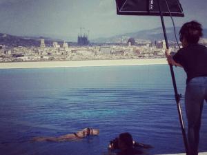 Boncan, adiestramiento, educación y modificación de conducta canina en Barcelona - Perro grabando anuncio en Barcelona.